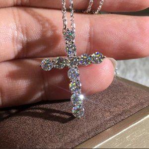 NEW 18K WHITE GOLD ROUND DIAMOND CROSS NECKLACE